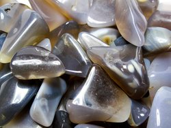 Agate Grey Tumbled Stones Large (30-45mm) 33LBS