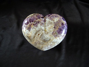 Banded Amethyst Hearts Large 7-8 inch - 5pcs