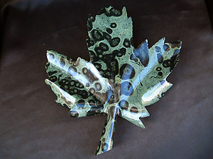 Crocodile Jasper Leaves Large 2pcs