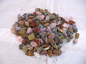 12 Stone Mix Tumbling Rough - Gem Decor Rough (5-30g) 500Kg (1100LBS)