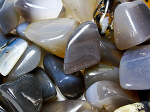 Grey Agate Tumbled Stones Small (under 30mm) - 1LB