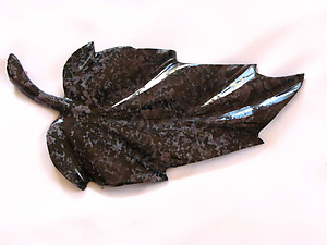 Indigo Gabbro Large Leaves