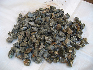 Labradorite Tumbling Rough - Gem Decor Rough (5-30g) 5Kg (11LBS) 1 Bag