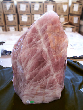 Rose Quartz Large Flame - 43.73kg