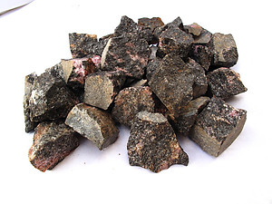 Rhodonite Tumbling Rough - Gem Decor Rough (5-30g) 5kg (11LBS) 1 Bag