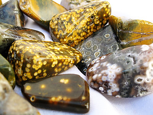 Sea Jasper Tumbled Stones Medium (20-30mm) - 1LB