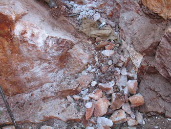 Rose Quartz alluvial outcrops