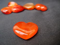 Carnelian Small Jewellery Heart - 10pcs