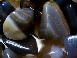 Agate Grey Tumbled Stones Large (over 30mm) - 5LBS
